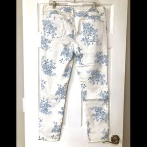 American Eagle Outfitters Jeans - White Floral Jeggings